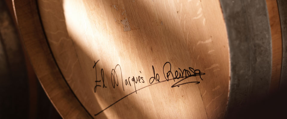 Lid of a signed cask.